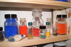 Herstellung von Pigmenten und Bindemitteln